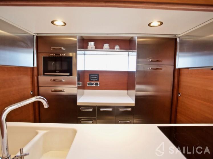 Aicon 75  - Yacht Charter Sailica