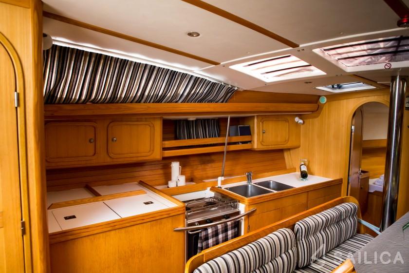 Feeling Kirie 39 - Yacht Charter Sailica