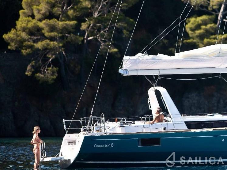 Oceanis 48 - Yacht Charter Sailica