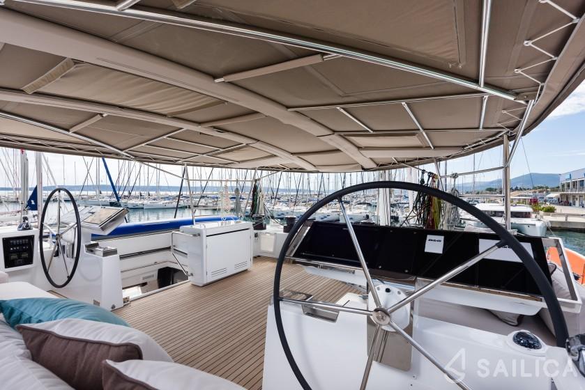 Lagoon 620 - Yacht Charter Sailica