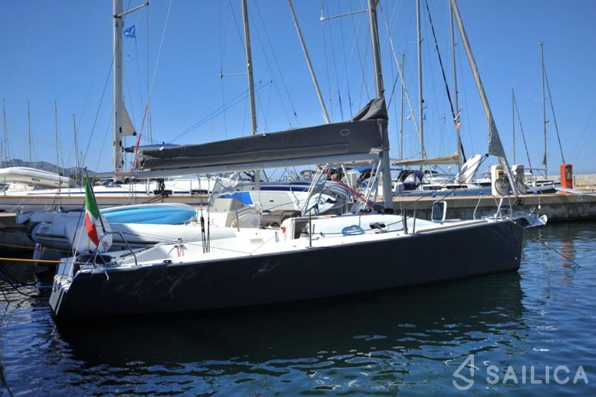 Beneteau 25 Platu - Yacht Charter Sailica