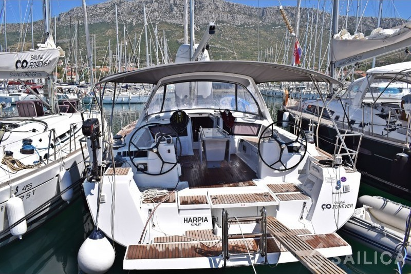 Rent Beneteau Oceanis 48 in Croatia - Sailica