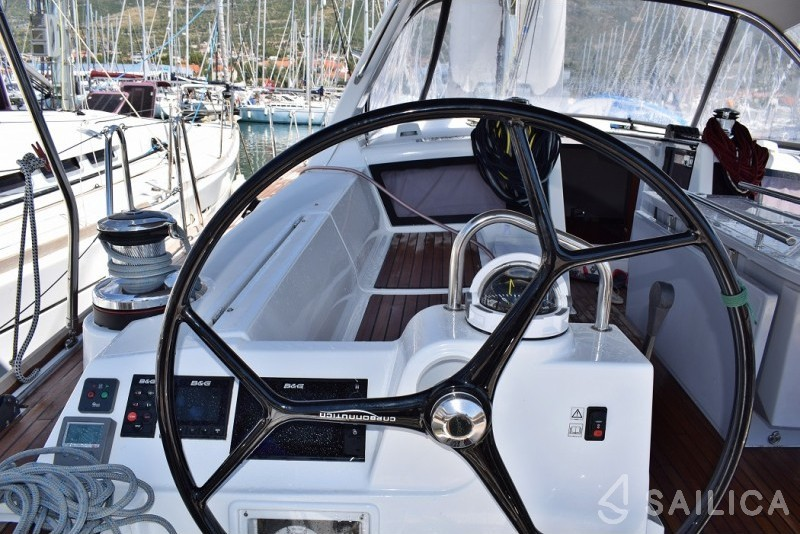 Beneteau Oceanis 48 - Sailica Yacht Booking System #4