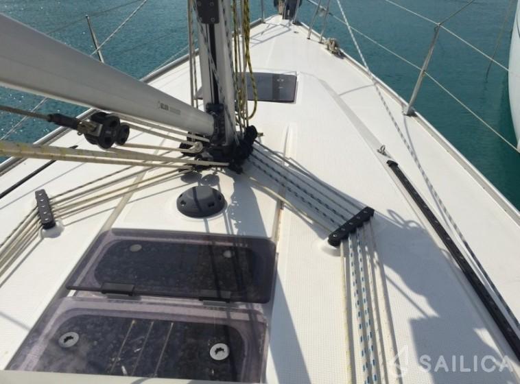 Bavaria Cruiser 37 - Yacht Charter Sailica