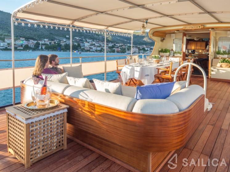 Gulet - Yacht Charter Sailica