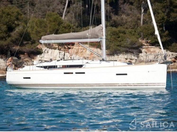 Sun Odyssey 519 - Yacht Charter Sailica