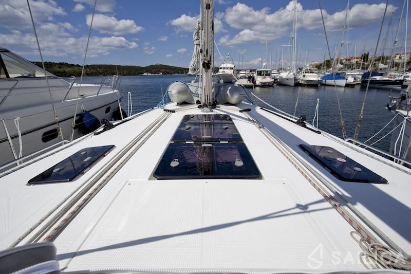 Bavaria 45 - Yacht Charter Sailica