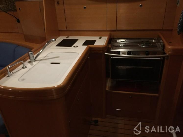 First 44.7 - Yacht Charter Sailica
