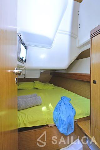 Sun Odyssey 36i - Yacht Charter Sailica