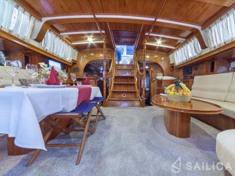 Scorpio 72 - Yacht Charter Sailica