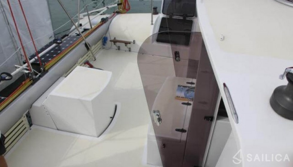 EDEL 33 - Sailica Yacht Booking System #4