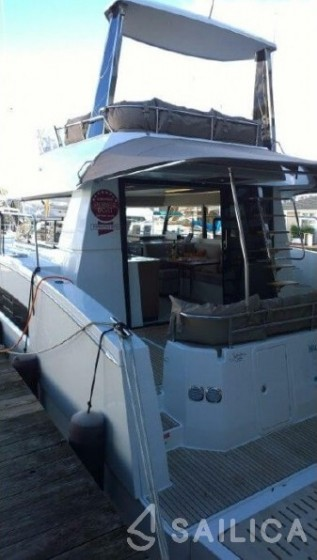 Rent Fountaine Pajot MY 37 in France - Sailica