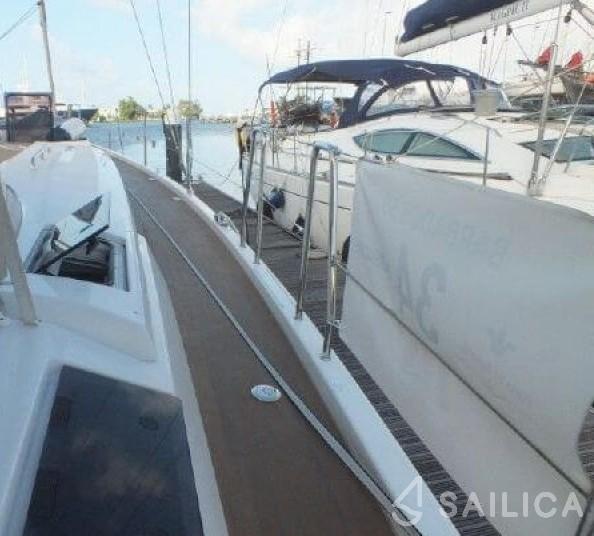 Rent Hanse 505 in France - Sailica
