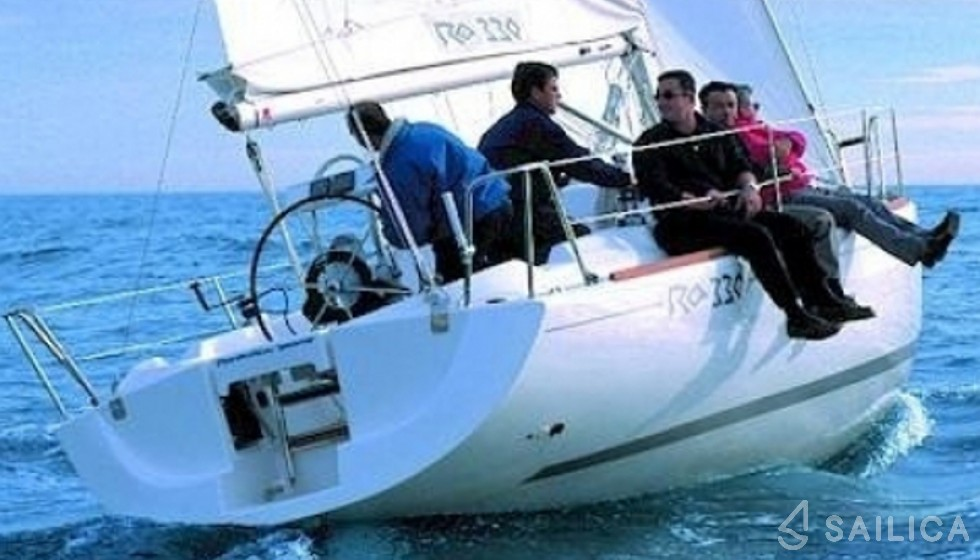 RO 330 - Yacht Charter Sailica