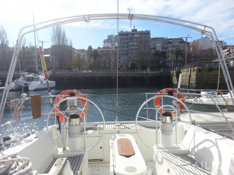 Oceanis 500 - Yacht Charter Sailica