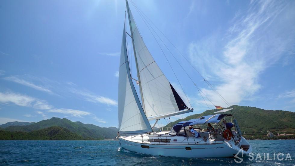 Sun Odyssey 49i - Yacht Charter Sailica