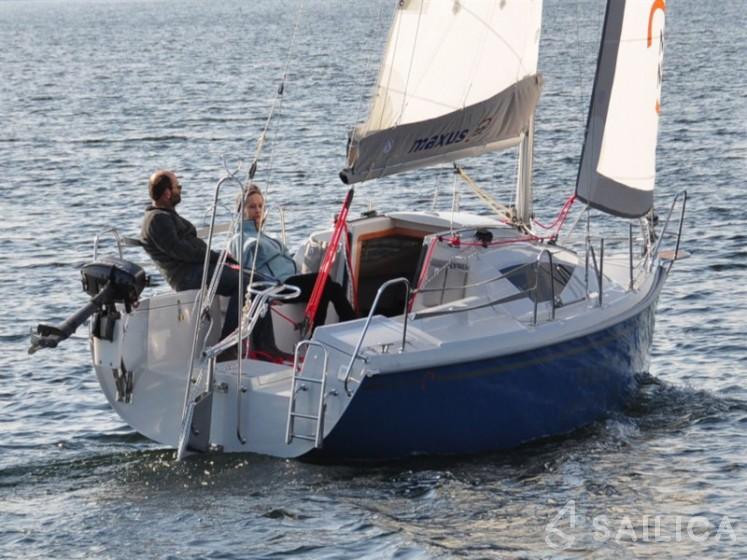 Maxus 22 Standard - Yacht Charter Sailica