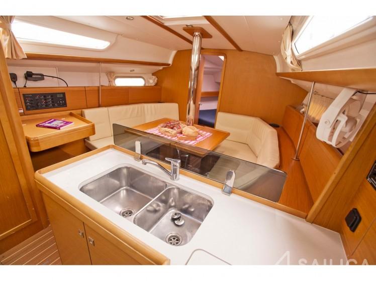 Sun Odyssey 36i - Sailica Yacht Booking System #8