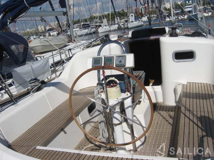 Feeling 39 - Yacht Charter Sailica