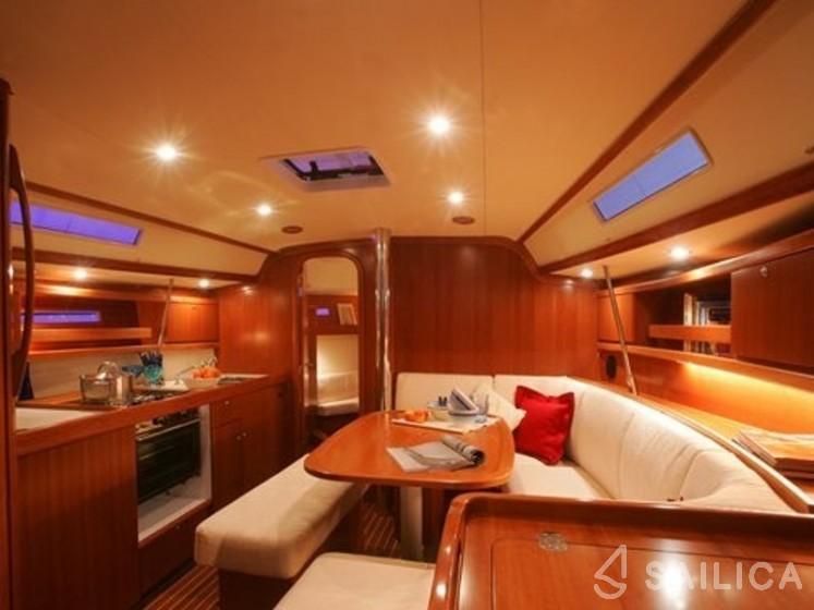 Dufour 365 GL - Yacht Charter Sailica
