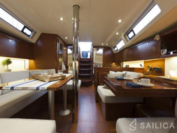 Rent Oceanis 41 in France - Sailica