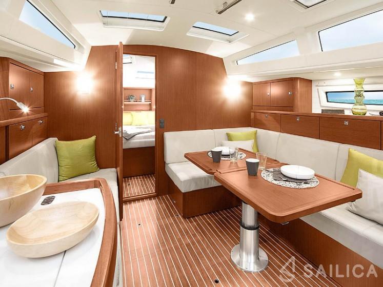 Bavaria Vision 42 - Yacht Charter Sailica