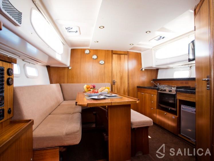 Nautika 1000 - Yacht Charter Sailica