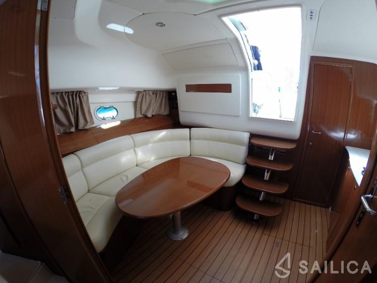 Prestige 34 - Yacht Charter Sailica