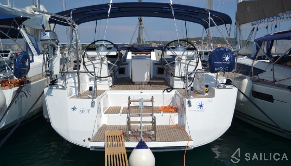 Jeanneau 54 - Jachtcharter Sailica