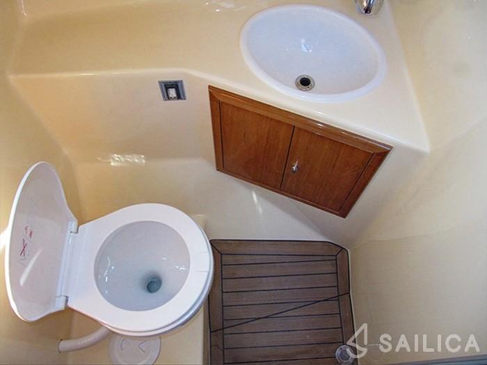 Damor 900 FURIA - Yacht Charter Sailica