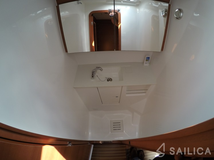 Dufour 512 Grand Large - Yacht Charter Sailica