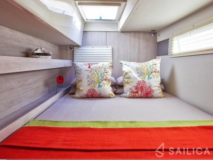 Sunsail 404 - Sailica Yacht Booking System #17