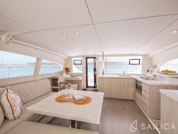 Sunsail 404 - Sailica Yacht Booking System #8