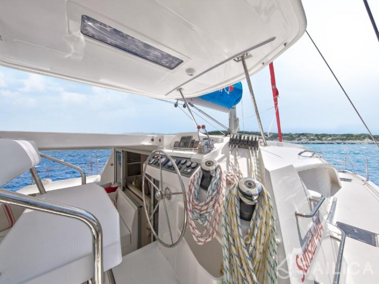 Sunsail 404 - Sailica Yacht Booking System #13