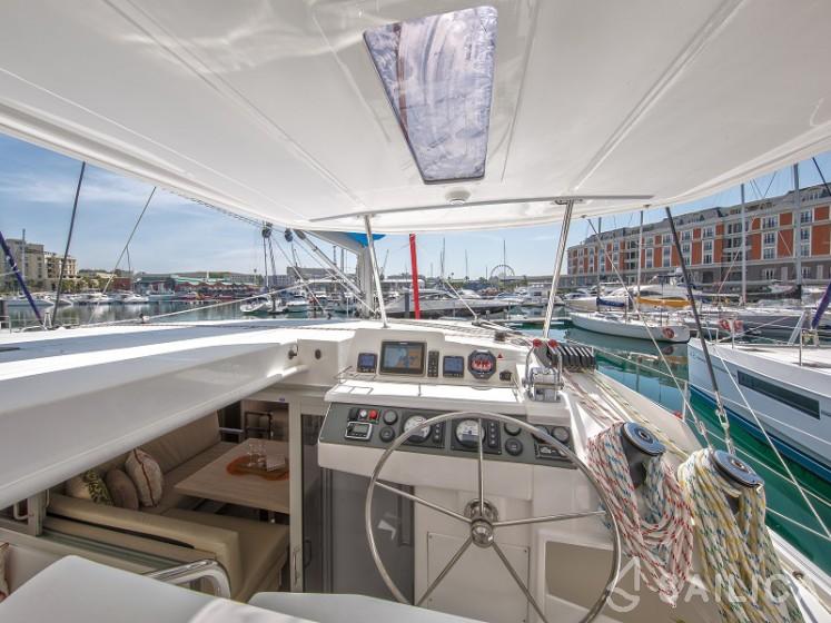 Sunsail 404 - Sailica Yacht Booking System #15