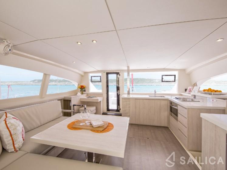 Sunsail 404 - Sailica Yacht Booking System #7