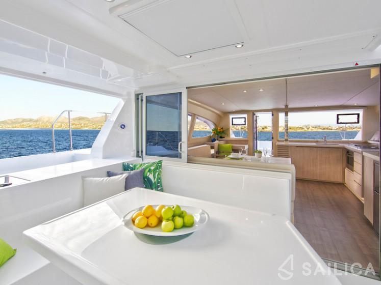Sunsail 404 - Sailica Yacht Booking System #18