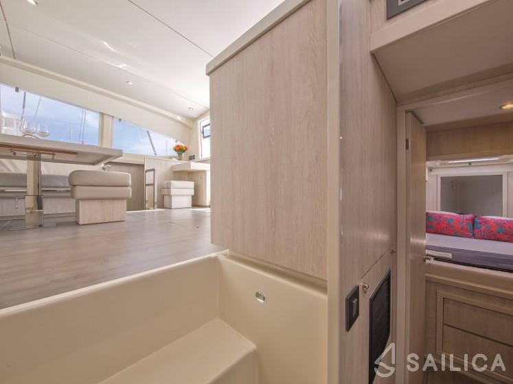 Sunsail 404 - Sailica Yacht Booking System #16