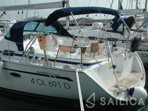 Bavaria 43 Cruiser - Yacht Charter Sailica