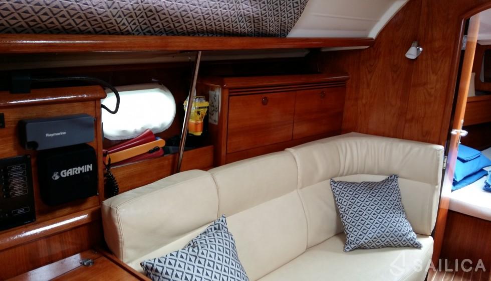 Sun Odyssey 35 - Yacht Charter Sailica