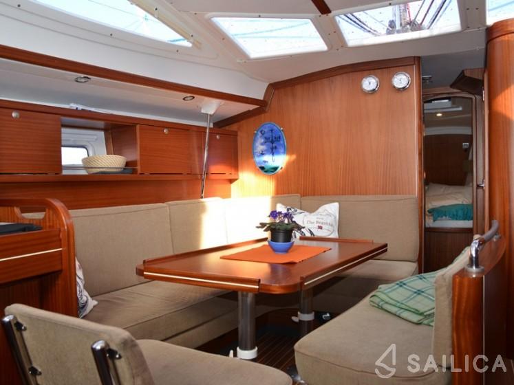Delphia 40 - Yacht Charter Sailica
