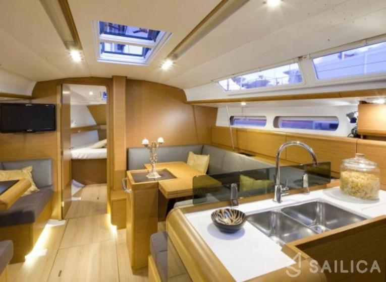 Rent Sun Odyssey 409 in Spain - Sailica