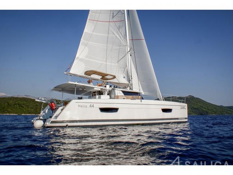 Helia 44 - Yacht Charter Sailica