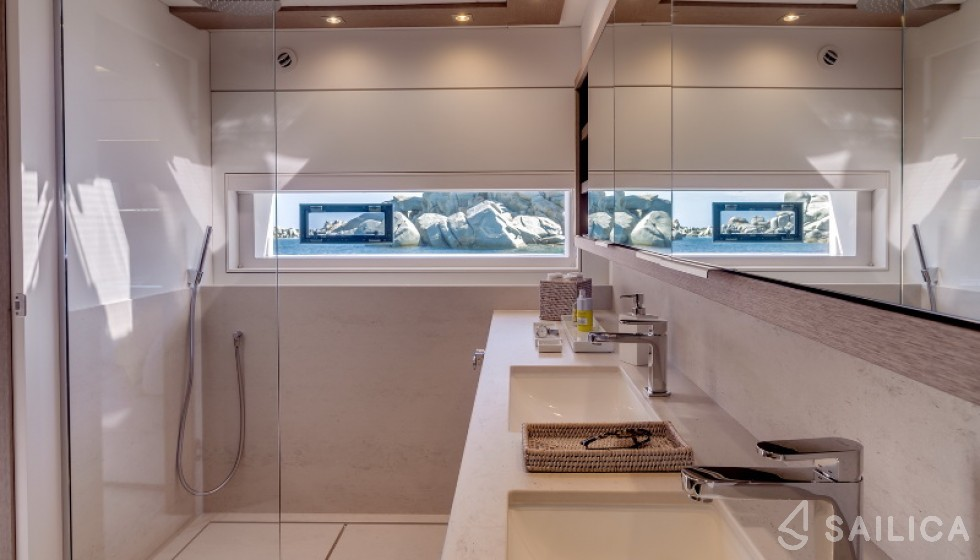 Lagoon Seventy 7 - Sailica Yacht Booking System #14