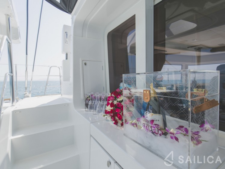 Lagoon 52F - Sailica Yacht Booking System #23