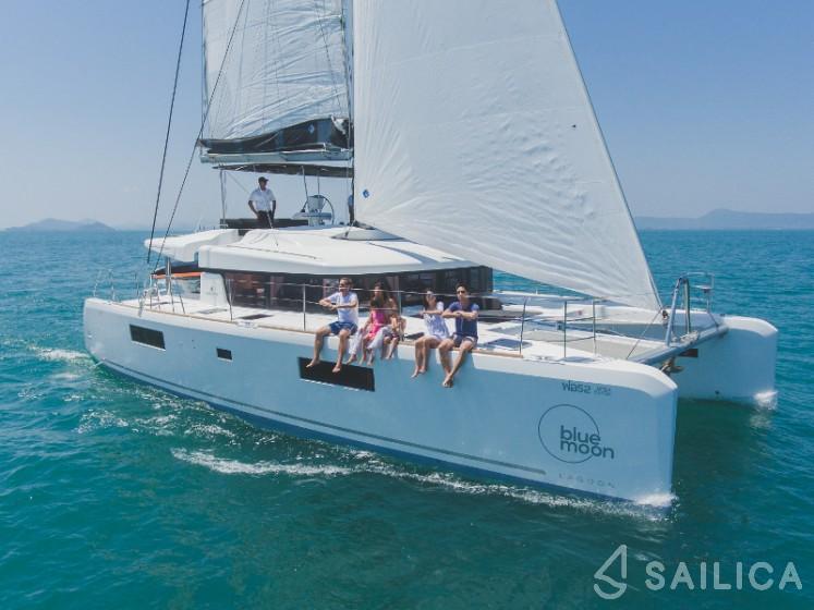 Lagoon 52F - Yacht Charter Sailica