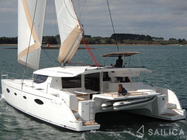Salina 48 - Yacht Charter Sailica