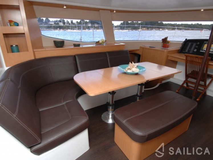 Rent Salina 48 in France - Sailica