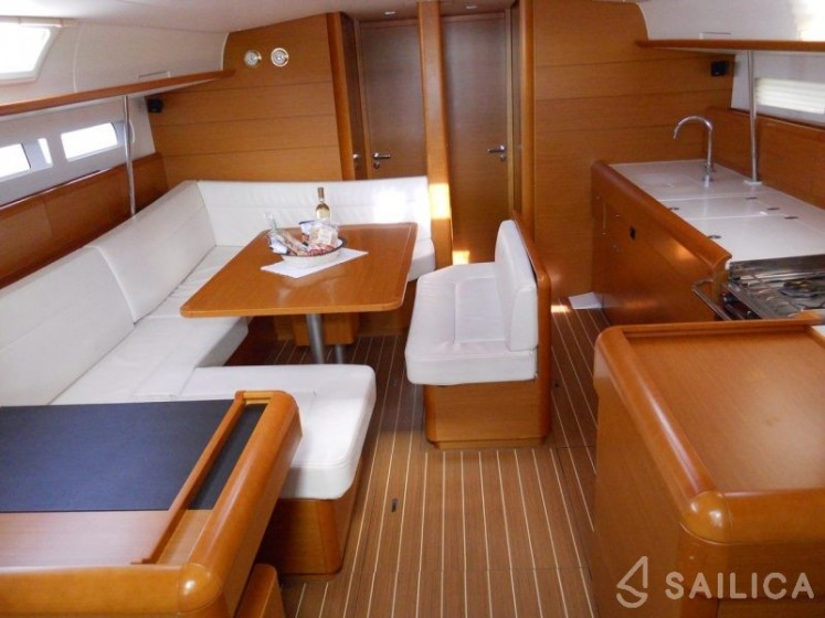 Rent Sun Odyssey 509 in Italy - Sailica
