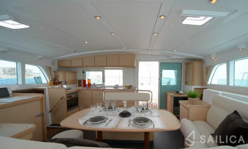 Lagoon 440 - Yacht Charter Sailica